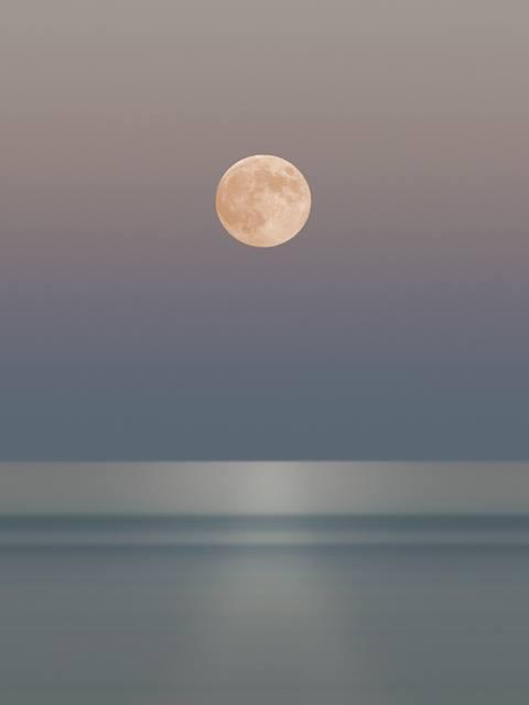 Full Moon rising representing Sober beginings