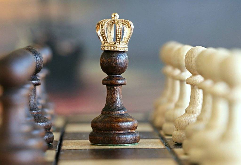 Pawn with gold crown The Queen's Gambit and Alcoholism