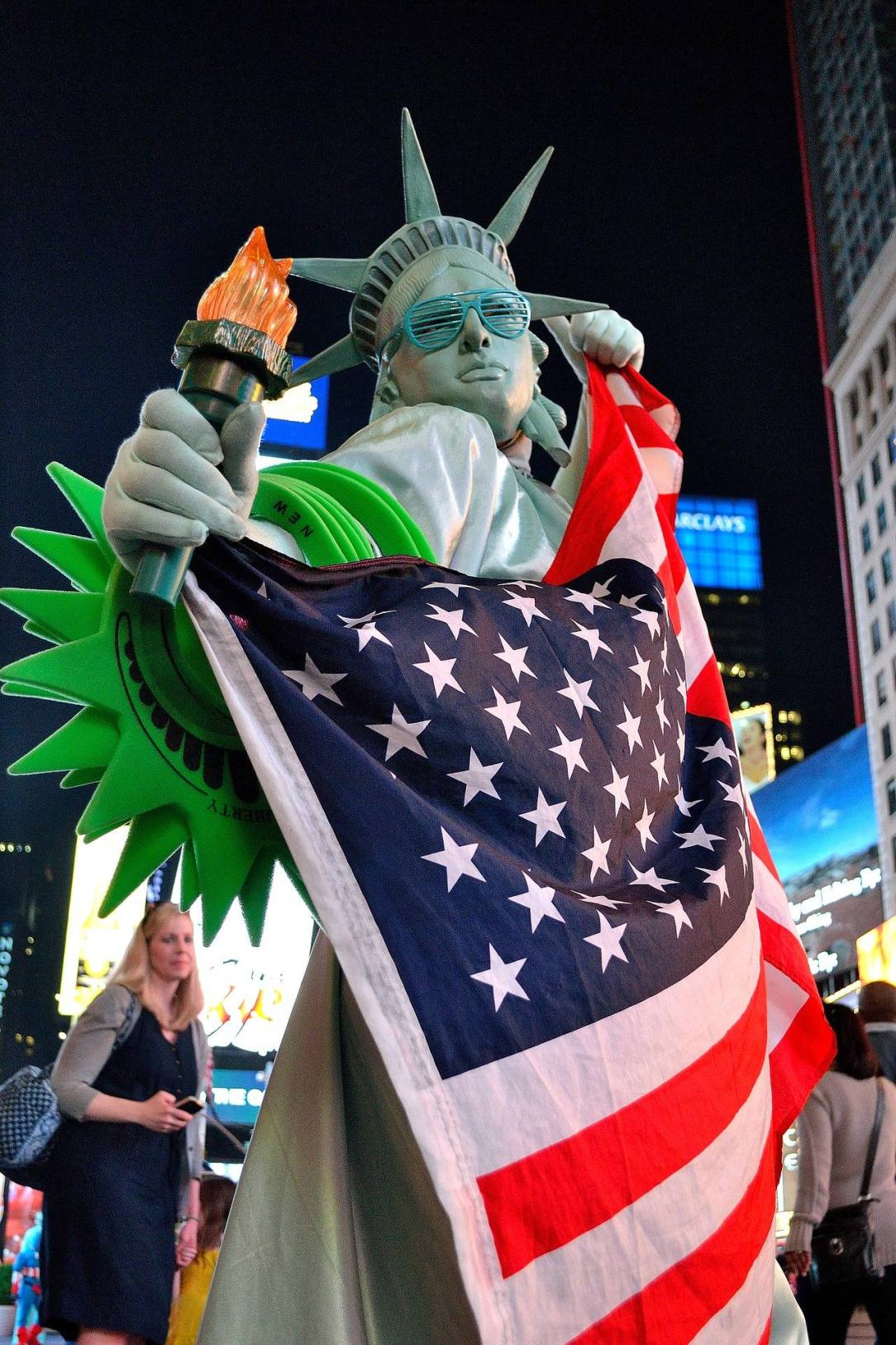 Statue of Liberty with American Flag - How to stayu sober on Election Day