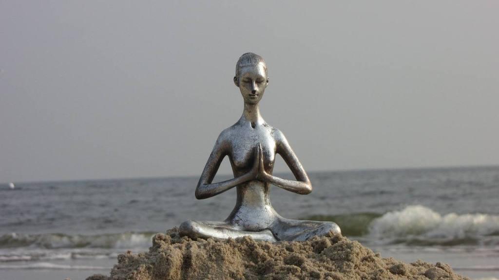 Meditation statue - alcohol-free Serenity