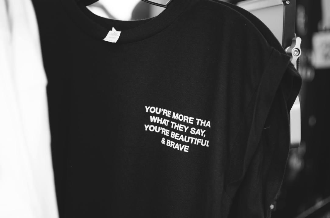 Tee shirt You're Beautiful and Brave Sober Mum
